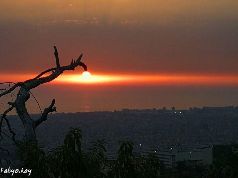 sunset sunsetporn sun skyline sky sunsetlovers skylovers lebanon nature ... (Beirut, Lebanon)