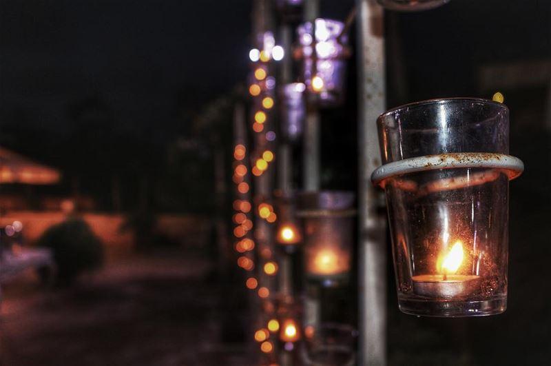 اطفي شمعه الحقد والكراهيه واشعل شمعه الحبفلا يوجد اجمل من الحب والقلوب الص (Turquoise)