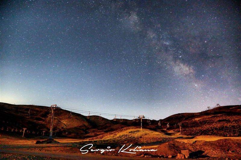 ١٠٠ وردة. sergio_koliana_photography meetlebanon mylebanon ... (Wardeh Kfardebian)