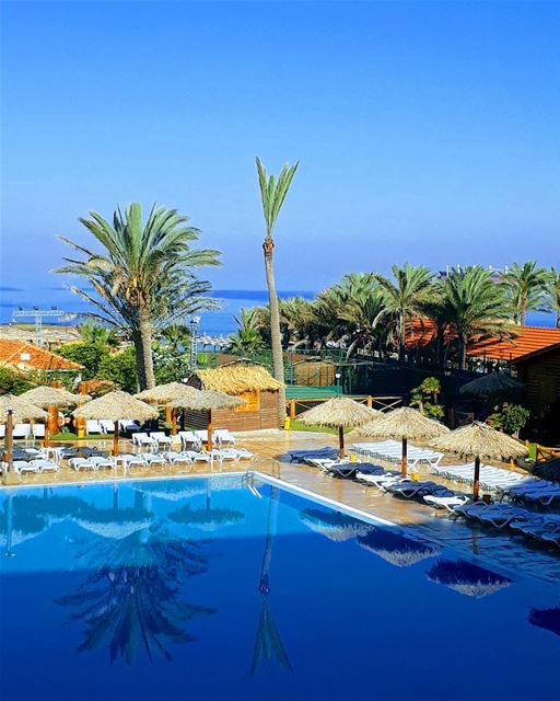 TGIF  happyfriday let the  weekend begin!! 💙🌞 sawaryresort  batroun ... (Batroûn)