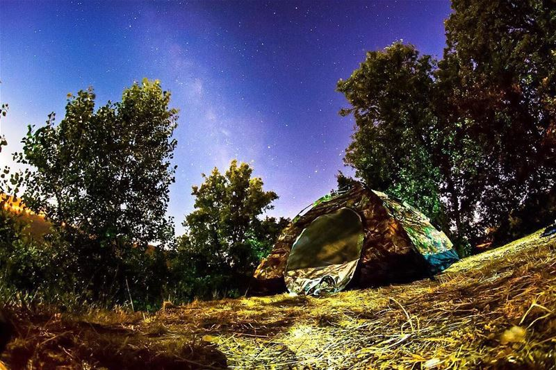 How I really love to spend the night ⭐️ stars skies milkyway camping ... (Kfardebian)