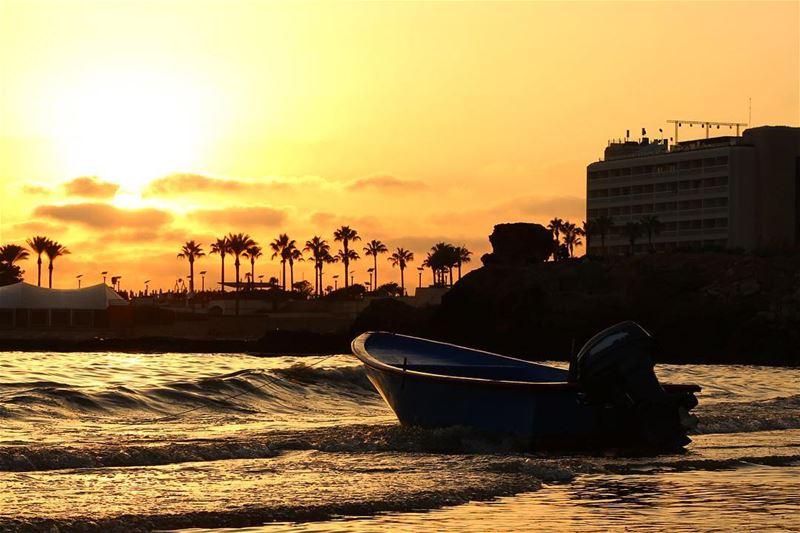 sunsetlovers 🌅.... sunset sunsetporn sunsetpics landscape... (Beirut, Lebanon)