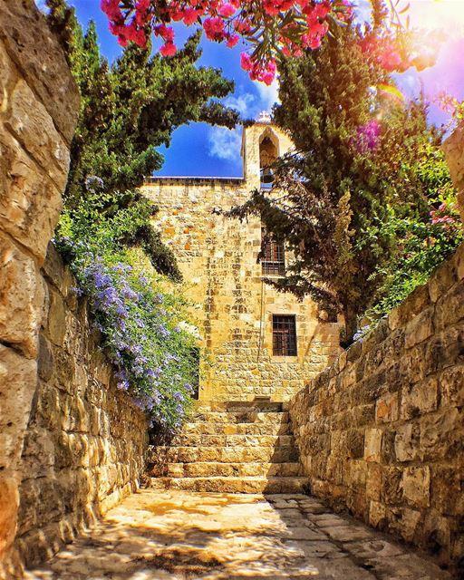 "Deir-El-Qamar, Lebanon ☀️🌷🌳❤️.This is ""Deir-El-Qamar"" (Translation:... (Deïr El Qamar, Mont-Liban, Lebanon)"