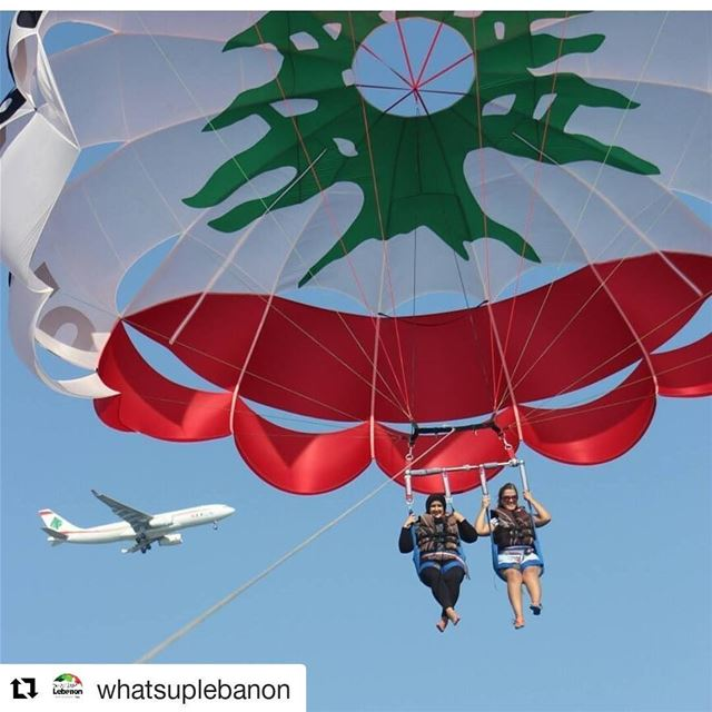 Repost @whatsuplebanon (@get_repost)・・・Nothing beats flying now does... (Movenpik Parasailing)