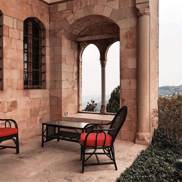 I, I will be king and you, you will be queen... Beirut architecture... (Mir Amin Palace Hotel)