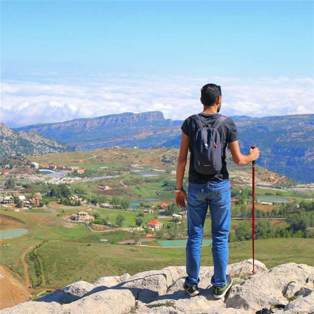 Sunday Escape 🔝. liveloveakoura livelovebeirut insta_lebanon ... (Akoura, Mont-Liban, Lebanon)
