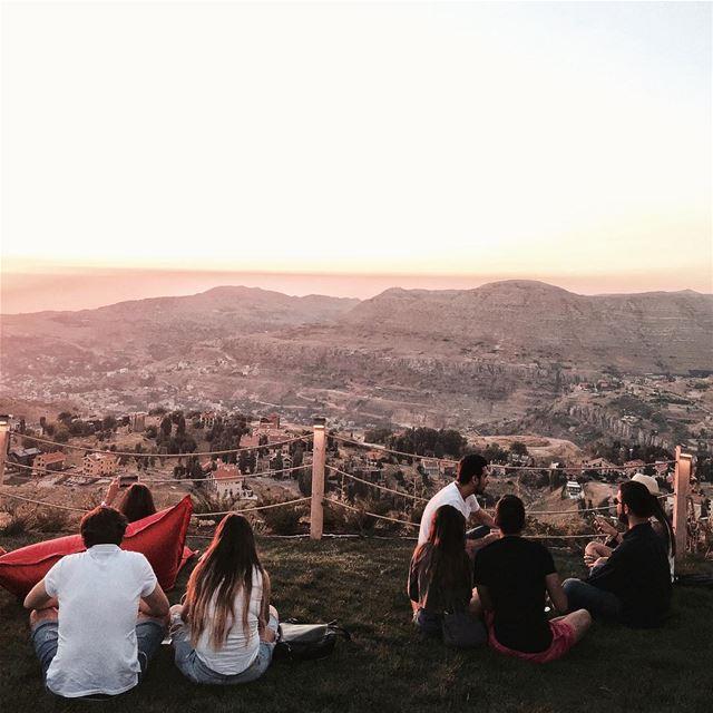 Drinks🥂, friends👬👭👫 and gorgeous sunset 🌅 Beirut nature shotoniphone... (ODIN Mzaar Kfardebian)