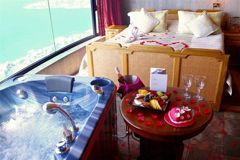 An enchanting fairytale getaway..🌹💝☎️ 09 260 999 MomentsLikeThis ... (Bay Lodge)