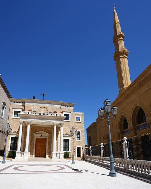 Igreja e Mesquita lado a lado em mais uma imagem que torna o Líbano um... (Downtown Beirut)
