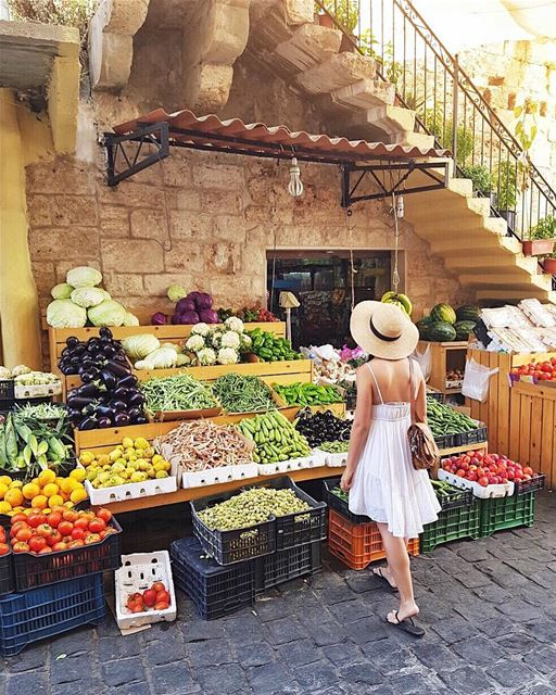 Fruit and vegetable shopping in Lebanon 🍆🍅🥒🥕🌽🌶🍌🍉 Found this cute... (Batroûn)