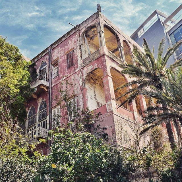 The Rose House, built in 1880 Beirut, Lebanon 🇱🇧 البيت الزهري........ (Ain El Mreisse, Beyrouth, Lebanon)