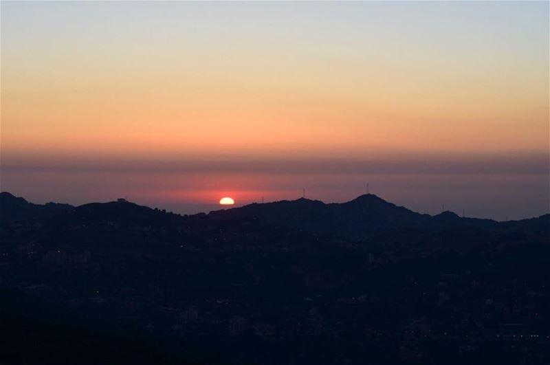 💛... sunset sunsetphotography sunsets sunset🌅 sunsetaddict ... (Faraya, Mont-Liban, Lebanon)