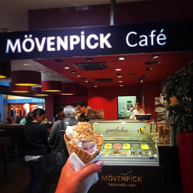 Ice cream stop 🍦🛫...... icecream icecreamlover icecreamlove ... (Hamburg Airport)