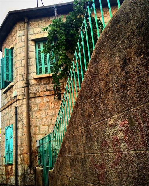💚💚💚 old traditional house lebanese lebanon livelovelebanon... (Faïtroûn, Mont-Liban, Lebanon)