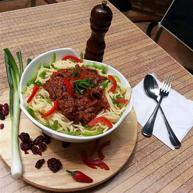 Today's Teaser Menu: Spaghetti Bolognaise 🍝🍝😍😍 Join us hungryfoodies... (Jal el Dib)
