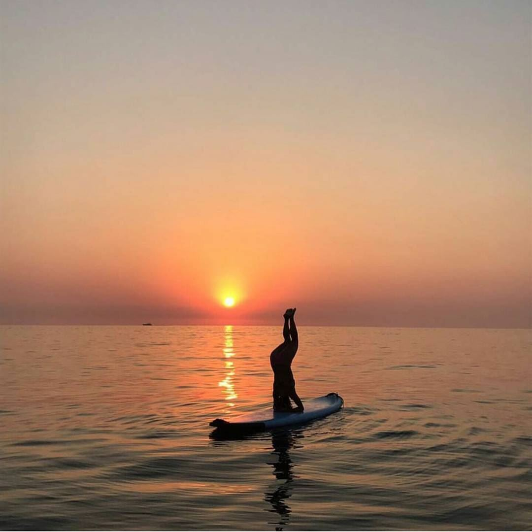batroun sunset upsidedown mediterranean sea batrounbeach ... (Ô-Glacée)