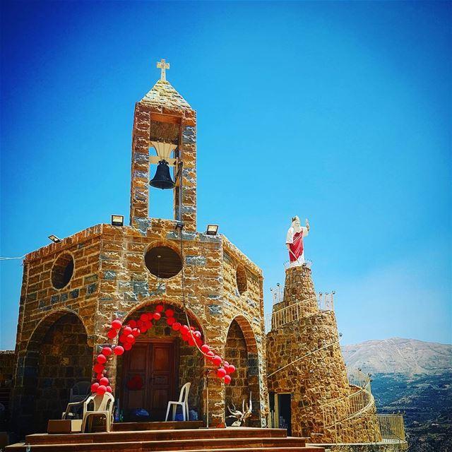 The beautiful mountain of saint elie hadchit whatsuplebanon ig_lebanon ... (Hadchit Saint Elias Mountain)