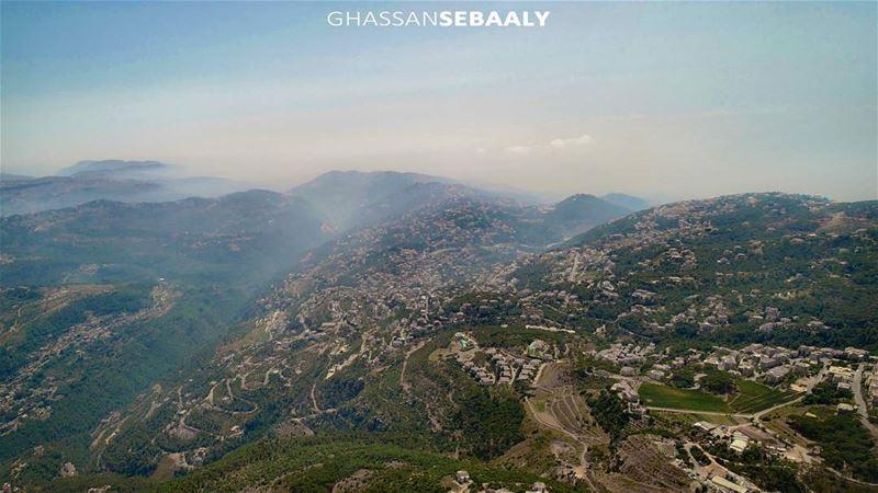 Far over the misty mountains cold... lebanon mountains liban lebanese ... (District de Metn)