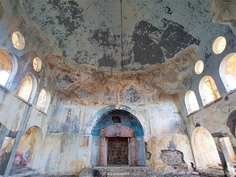 The Synagogue of Bhamdoun is still intact enough to give a sense of what... (Bhamdoûn, Mont-Liban, Lebanon)