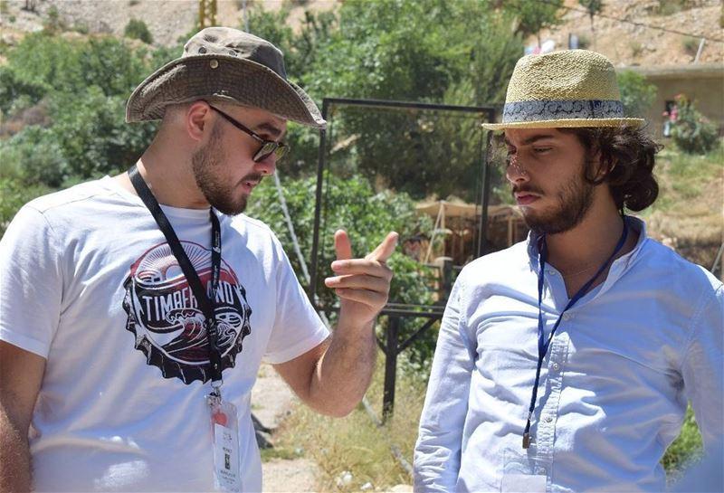 ...حديث جدي على جنب مع حفيد البطل @anthonycortas ...📸 by @paul_abihayla (Afqa-jbeil)