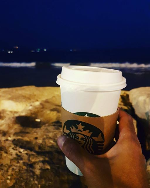 How to end a long and stressful day the best way possible :) 🍵  starbucks... (Sur, Al Janub, Lebanon)