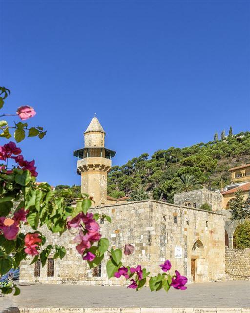 Esta pequena mesquita é a mais antiga do Monte Líbano e está situada na... (Deïr El Qamar, Mont-Liban, Lebanon)