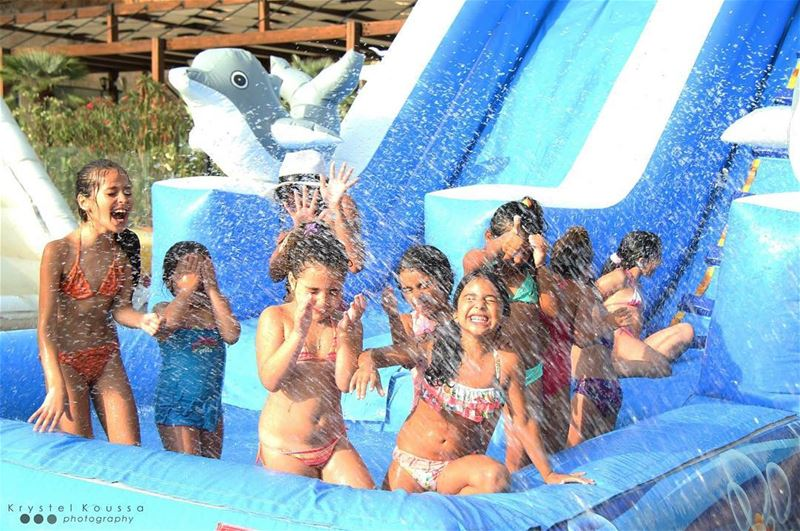 Girls just wanna have fun!💦🎉☀️  birthdayparty  splash  watergames ... (Jeita Country Club)