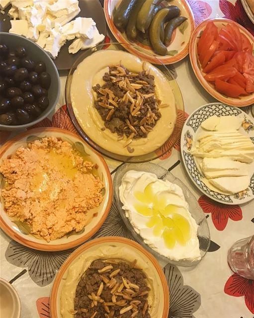 حمص باللحمة المفرومة 🔥* 500 جرام حمص حب، مسلوق جيدا* 75 جرام طحينة* 4 م