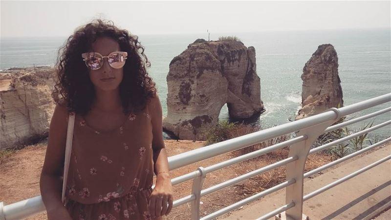 Le grotte aux pigeons 🐦 raouche beach sea beirut lebanon ... (Raoushi)