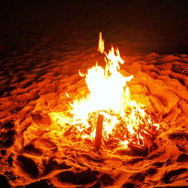 about last night beach camp camping fire campfire nature naturelovers... (Chekka Al Herry)