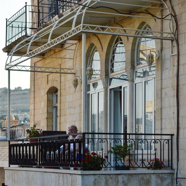 Évasion sur son balcon 😎•••••••••••••••••••••••••• Lebanon ... (Zahlé, Lebanon)