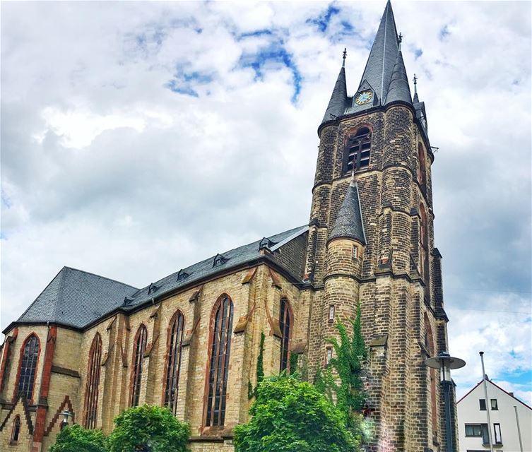 سكنوها قصور خلف سبع بحورو زغيرة الأميرة و كبيرة البواب livelovebeauty ... (Saarbrücken)