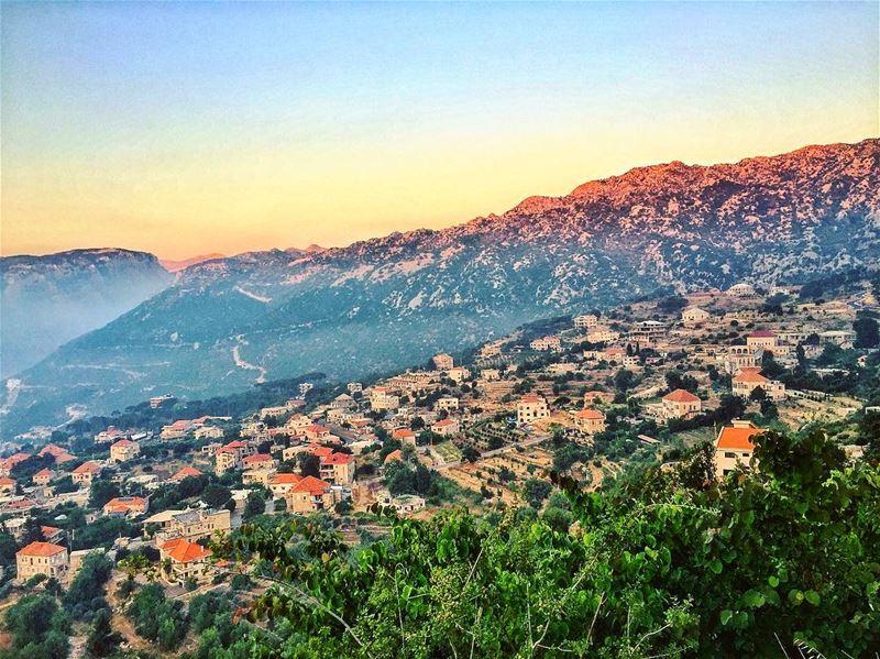 Douma 🦋🇱🇧♥️🇱🇧☘️ livelovedouma ... (Douma, Liban-Nord, Lebanon)