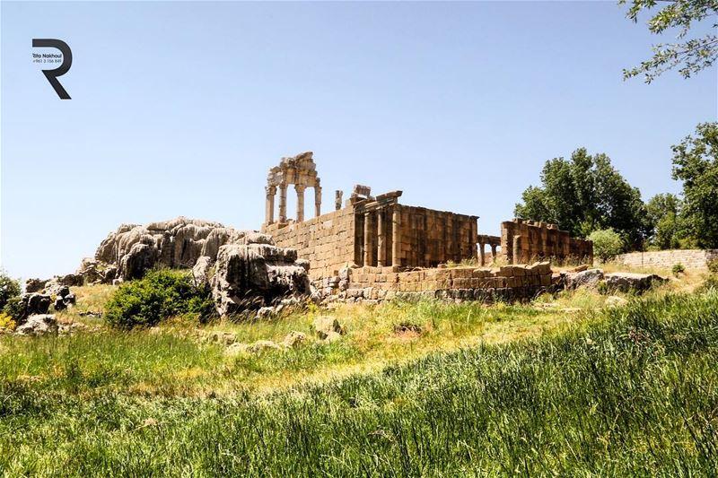 Faqra Castle , Lebanon lebanon beautifullebanon proudlylebanese ... (Fakra Kfarzebian Liban)