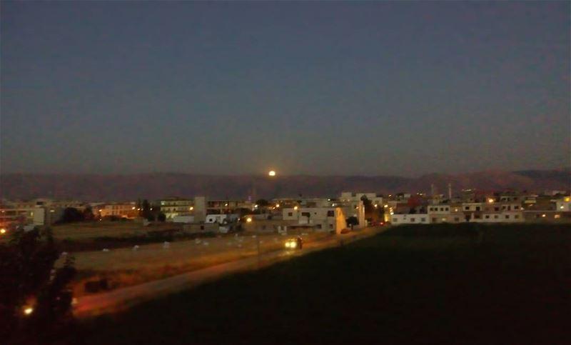 シAweSomeNesSツ myshot moon sky photographer photography beqaa ... (El Marj, Béqaa, Lebanon)