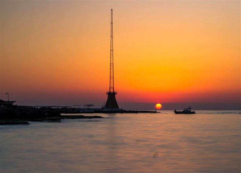 sunset beirut landscape beautifullebanon nature sea sunshine photooftoday... (Ain El Mreisse, Beyrouth, Lebanon)