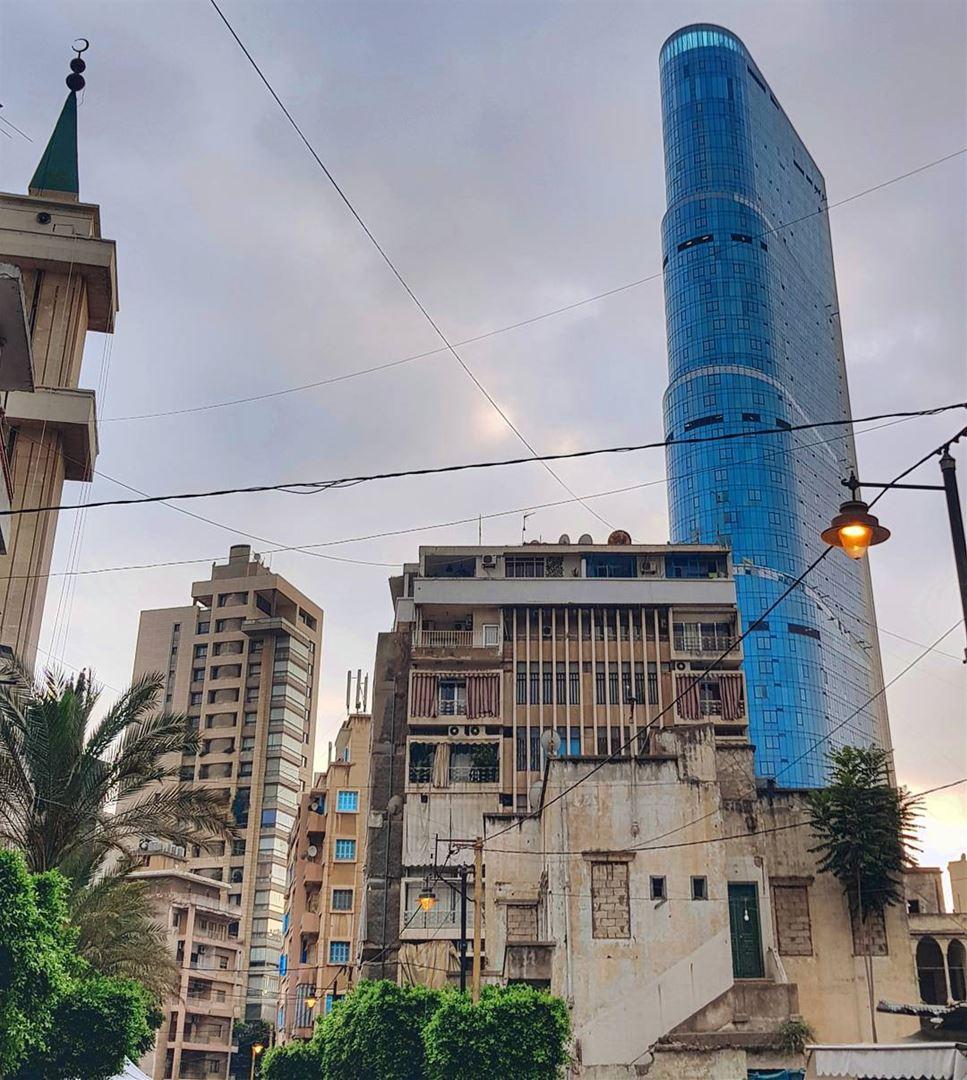 My controversial phoenix of the Middle East 🇱🇧.⠀В субботу, копаясь в Гу (Achrafieh, Lebanon)