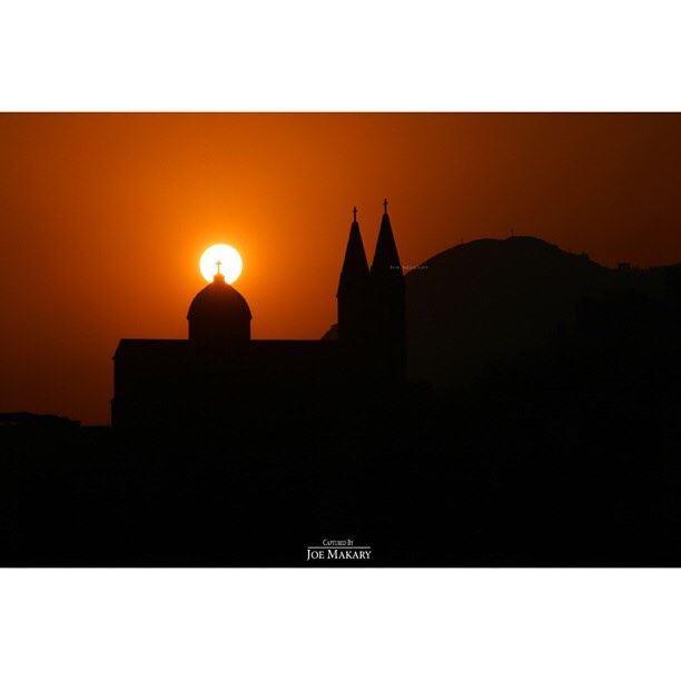 bchare church cross sun sunset livelovebcharre beautifullebanon ...