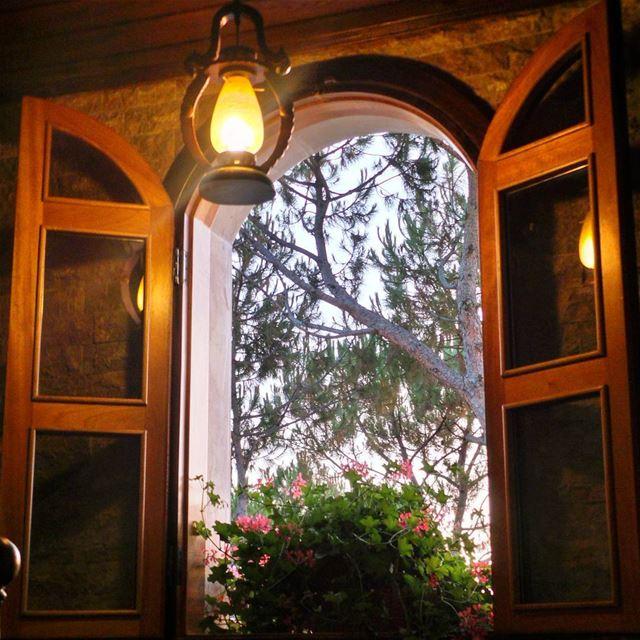 sunset knocking on my window 💙~~~~~~~~~~~~~ nikontop_ nikonworld ... (Botme - Chouf)