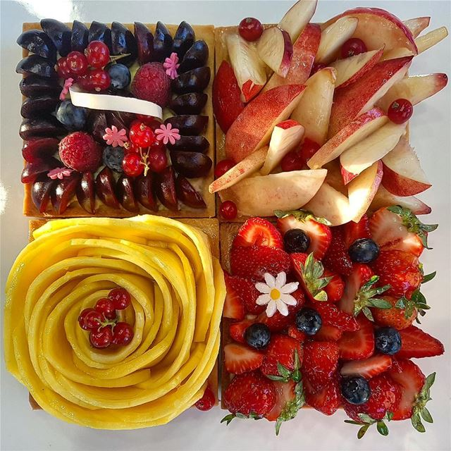 A beautiful summery tart from @douaihysweets (Douaihy Sweets)