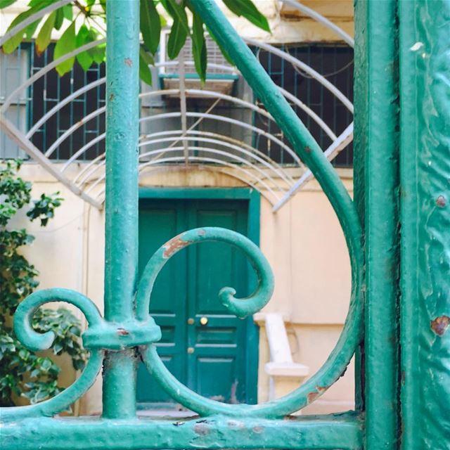 🏡 morning ........... picoftheday photooftheday house green... (Mar Mikhael-Armenia The Street)