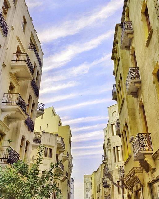 I see a Zebra in the sky 💜💜💜 sunrise... (Downtown Beirut)
