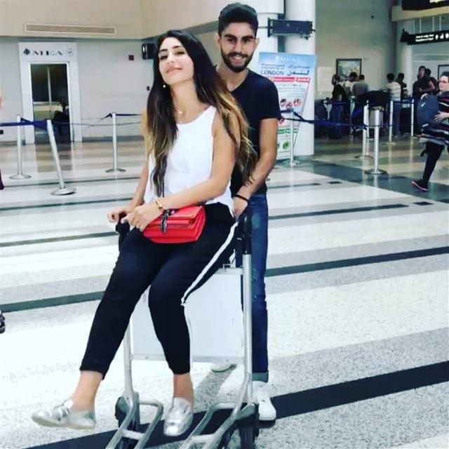 Fun at the AirPort😝 trb last week cousin ......... pictures ... (Beirut–Rafic Hariri International Airport)