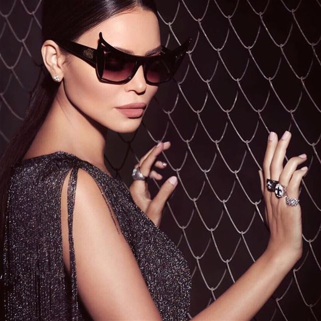 We are in love with our darling @mimialeblanc sunglasses collection with @b