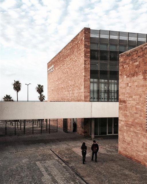 Do you miss Uni life ? 📚🍎📐✏️ Beirut nature architecture shotoniphone... (American University of Beirut (AUB))
