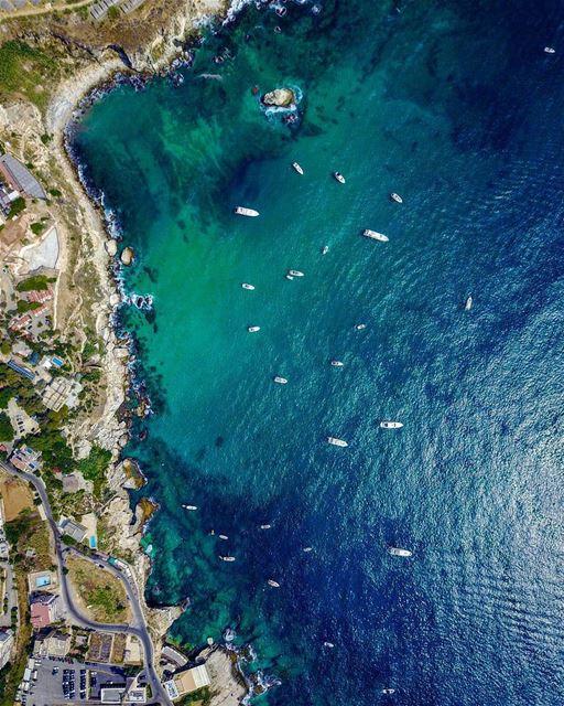 Amchit, perto de Byblos, é uma pequena cidade litorânea conhecida por seus... (Amchit)