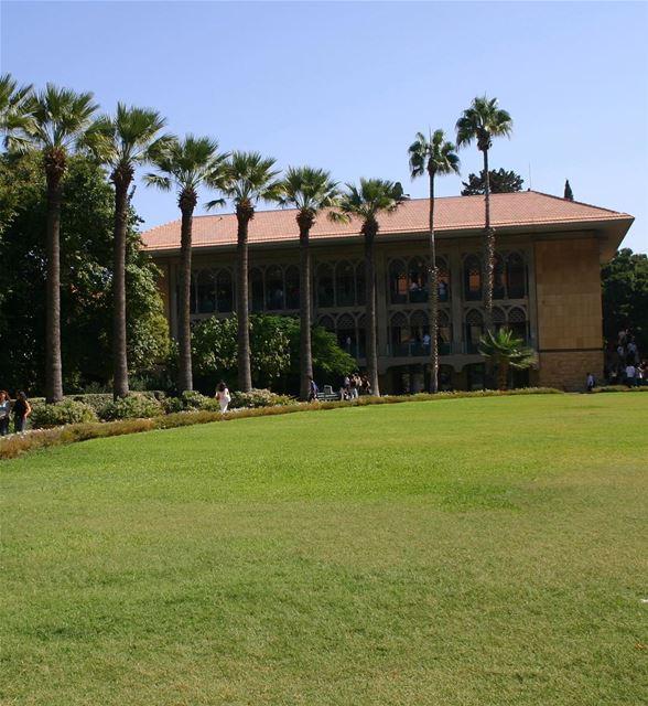 Você sabia que a Universidade Americana de Beirute (AUB), fundada em 1866,... (American University of Beirut (AUB))
