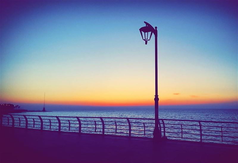 sunset sunsets sunsetstrokes sea seaview street lamp streetlamp views... (Beirut, Lebanon)