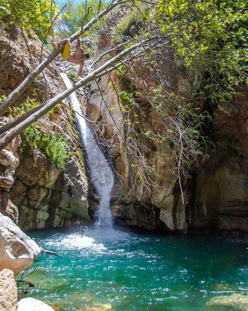 Spot the monkey 🐒🐒..... waterfall water lagoon summer adventure... (Akoura, Mont-Liban, Lebanon)