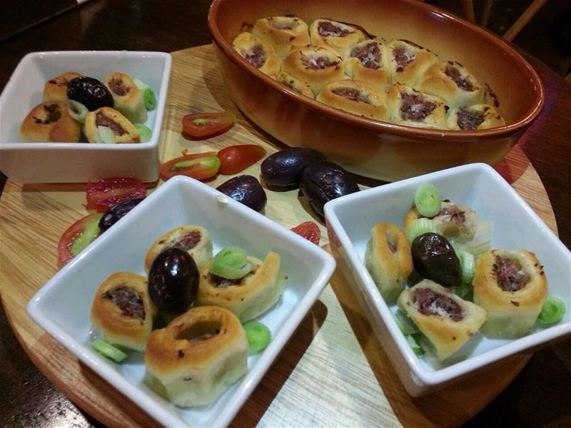 Handmade and freshly baked الكفتا صارت جاهزة 😍 beirutfood beirutbellies... (Em's cuisine)